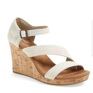 TOMS // Clarissa Cork Wedge Sandals Cream Size 7